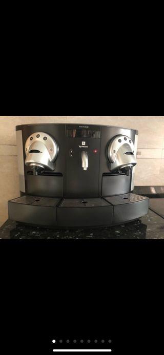 Cafetera Nespresso Gemini 200