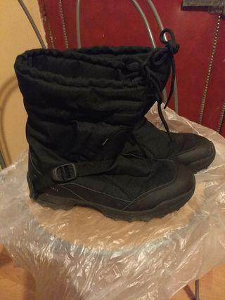 en venta en venta zapatos deportivos Calcetines de nieve de segunda mano en la provincia de ...
