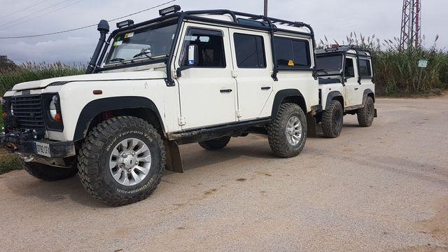 Land Rover Defender 2003
