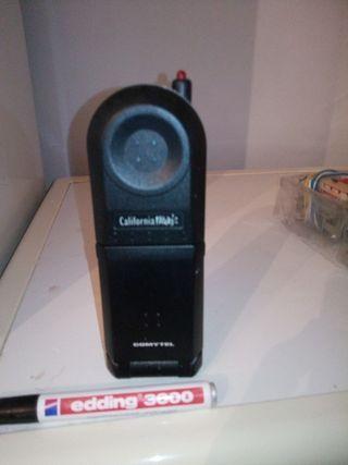 teléfono Comytel, modelo California Flipp