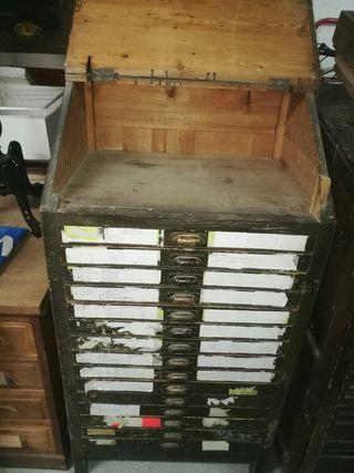 chivalete antiguo imprenta para restaurar