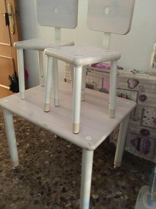 Mesa con dos sillas infantil