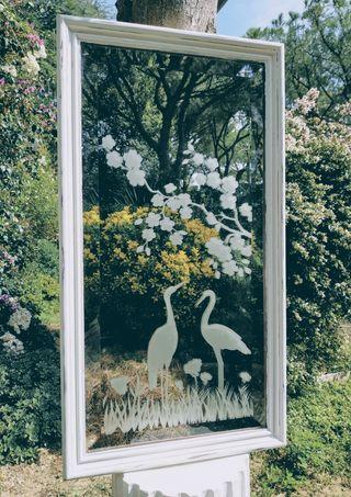 LIQUIDACIÓN. Bonito Espejo Vintage con grabados