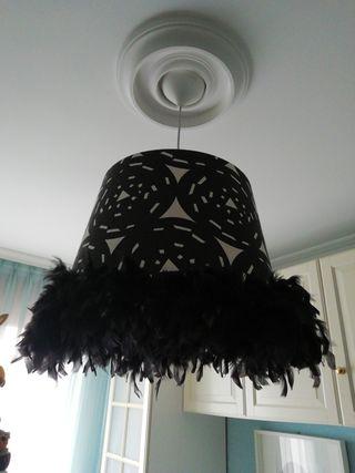 Pantalla lámpara techo 50cm plumas negra blanca
