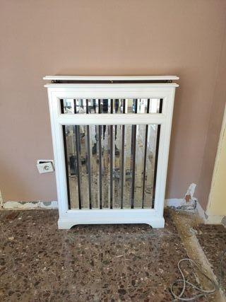 mueble cubre radiador con espejos