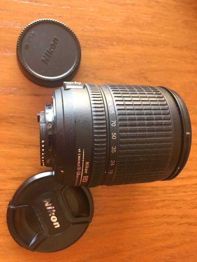 Objetivo NikonDX 18-135