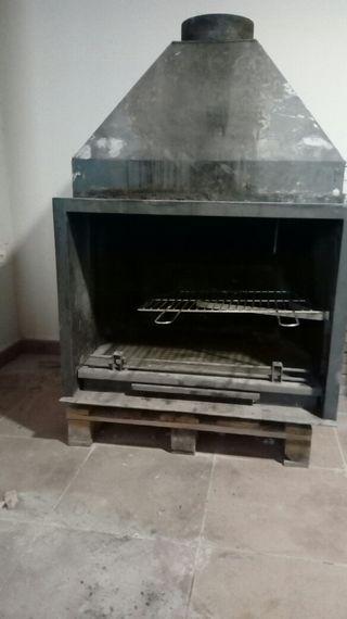 se vende chimenea de fundición