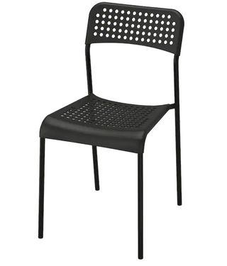 Vendo sillas, mesas y estantería de IKEA