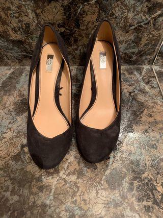 Zapatos tacón negro ante