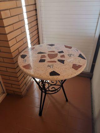 Mesa redonda de terraza