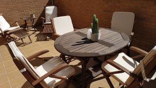 Tumbonas, mesas y sillas jardín