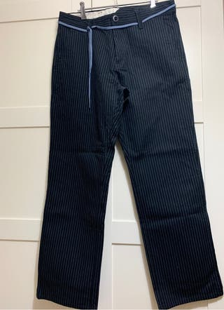 Pantalones volcom. Talla 34. Edición limitada.