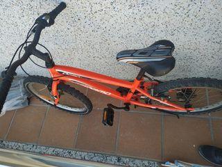 Bicicleta casi nueva naranja