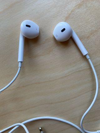 Earpods con clavija de 3,5 mm . Originales Apple
