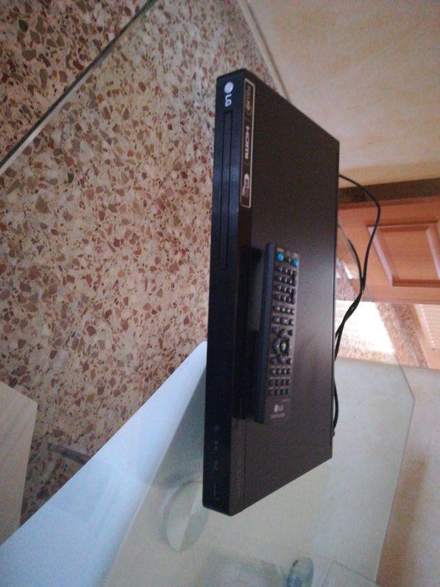 dvd LG con muy poco uso
