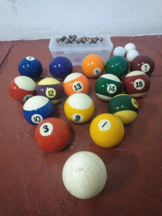 bolas de billar y futbolín ,puntas taco.