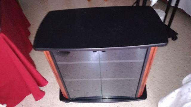 Mueble Televisión negro con puertas cristal