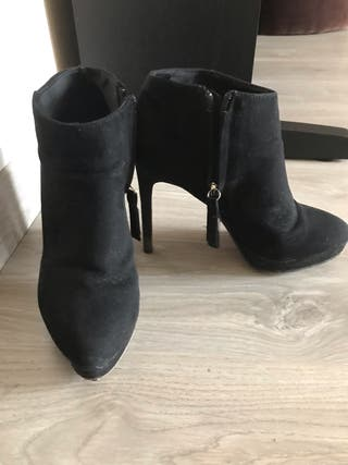 Bottines à haut talons