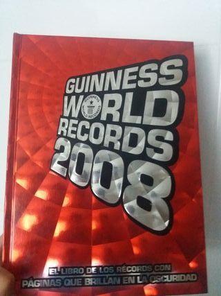 libro récord Guiness, muy buen estado