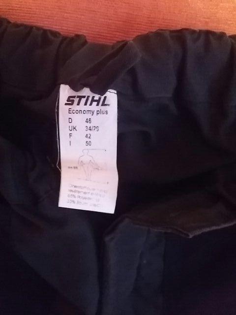 traje motosierrista con botas reglamentarias