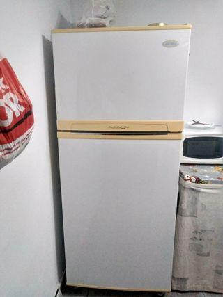 nevera con congelador aparte