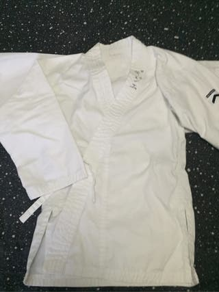 Kimono karate talla 6/7 años.