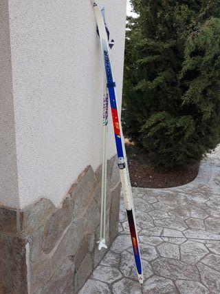 Skis de fondo.
