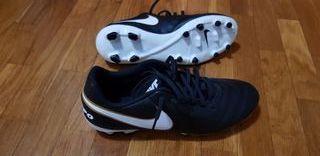 Botas futbol Nike Tempo talla 43