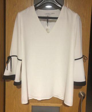 OCASIÓN!! Blusa beige Calvin Klein.