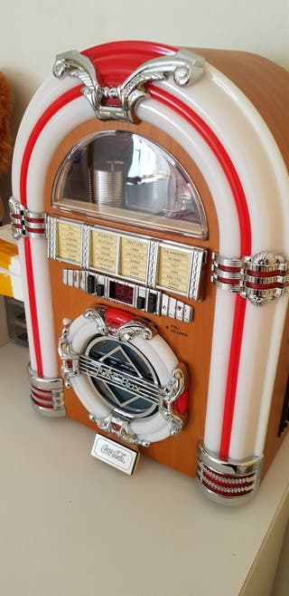 radio jukebox cocacola