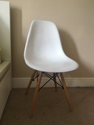 Chair Eames type