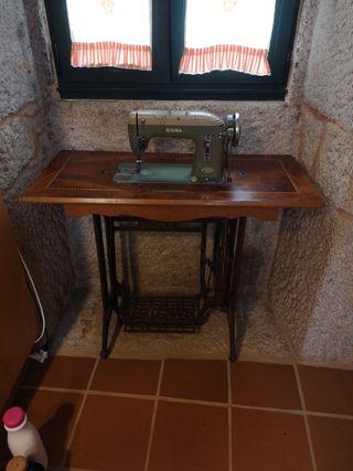 Máquina de coser años '50