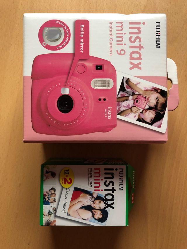 Cámara Fujifilm instax SIN ESTRENAR + 2 packs foto