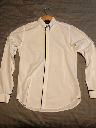 White Shirt with Hidden Buttons& Collar Bar