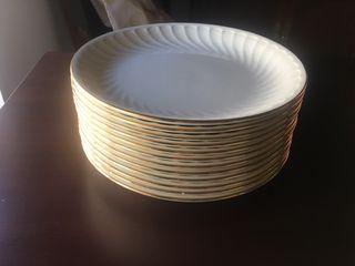 Vajilla porcelana la Pontesa. Filo oro.