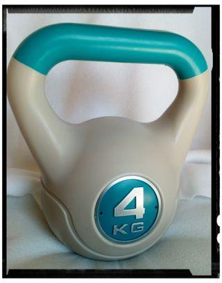 """Pesa de 4kg en forma de bola """"Kettlebell"""""""