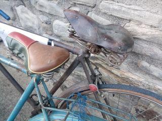Lote de bicicletas antiguas para restaurar