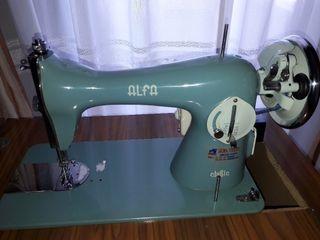 vendo máquina de coser Alfa