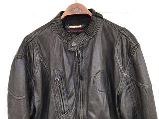 Cazadora cuero negro LEVIS talla XL