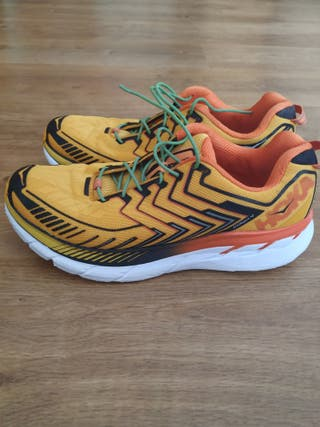 Hoka Clifton 4. talla 44.