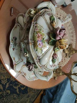 Sopera de porcelana con bandeja
