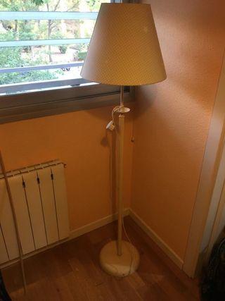 Lámpara de pie infantil