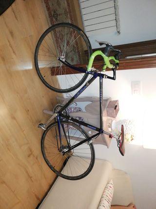 Bicicleta de ruta clasica