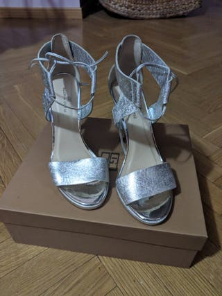 Zapatos sandalias tacon plata Gloria Ortiz