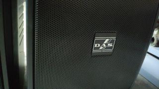 Monitores altavoces DAS factor 8