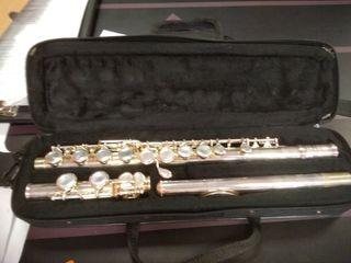 flauta travesera YFL 211