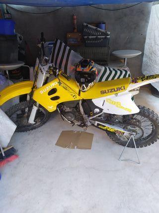 Suzuki de 125 cross