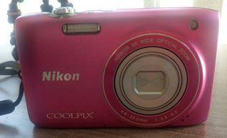 Camara Digital Nikon Rosa