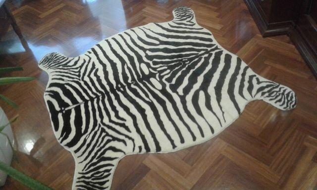 alfombra cebra nueva