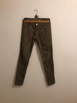 Pantalón estampado leopardo